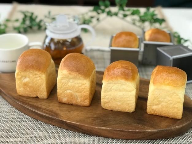 ★★ブリオッシュのミニ山型食パン